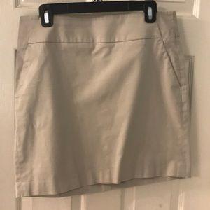 Ann Taylor Madison skirt size 8 khaki